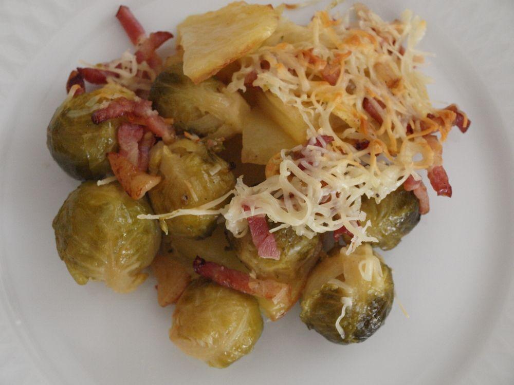 Coles de bruselas con patatas gratinadas